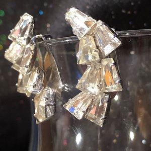 Napier Jewelry - 1940's Vintage Napier tapered facet cut earrings